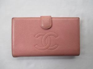 シャネル 財布のカラーチェンジは革研究所の池袋店へご相談ください!!